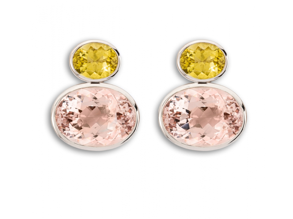 Ohrstecker 18 Karat Weißgold 7,9 g, 2 Morganite 37,64 ct, 2 Goldberylle 7,19 ct