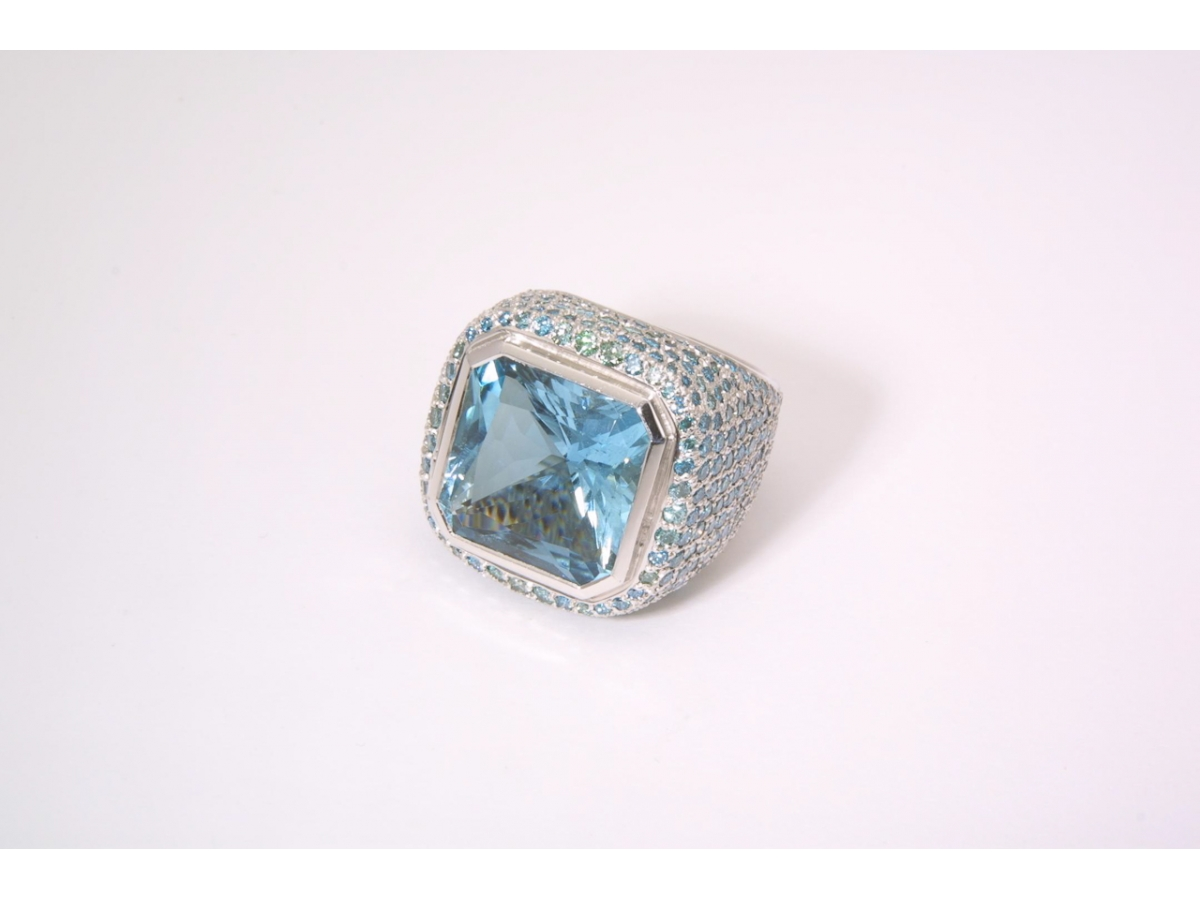 Ring wg  Aqua 8eck 15,82 ct Brill. blau 6,21 ct | 100.391.099.081
